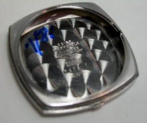 LONGINES con cassa square leggermente stondata in acciaio -  aut
